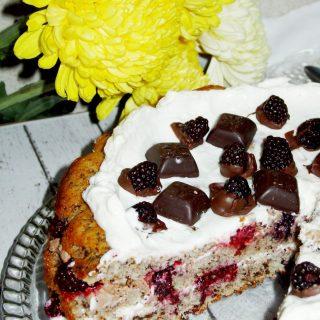 3.3-tort-ciocolata-cu-cirese-mascarpone-banane-mure-atelierele-roua-970x1293