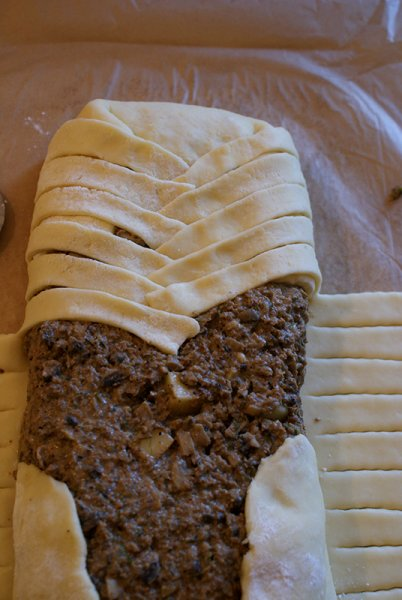 3-Placinta-finlandeza-cu-carne-si-ciuperci
