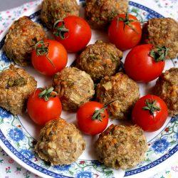 Chiftelute la cuptor cu carne, cascaval si ciuperci
