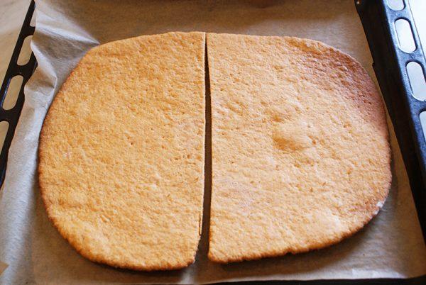 Prăjitura de post - foi cu bulion și cremă de griș