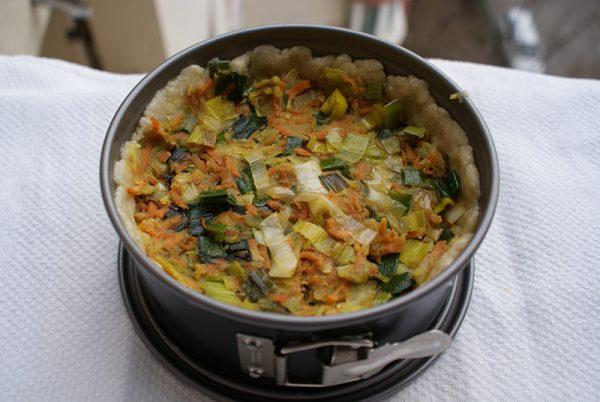 Tarta de post cu praz, morcovi si cartofi