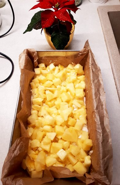 Chec din albuşuri cu ananas