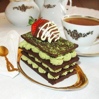 Straturi de ciocolata si ganache cu ceai matcha