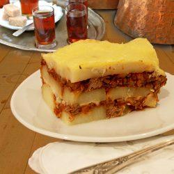 musaca-cu-carne-vita+sos-bechamel